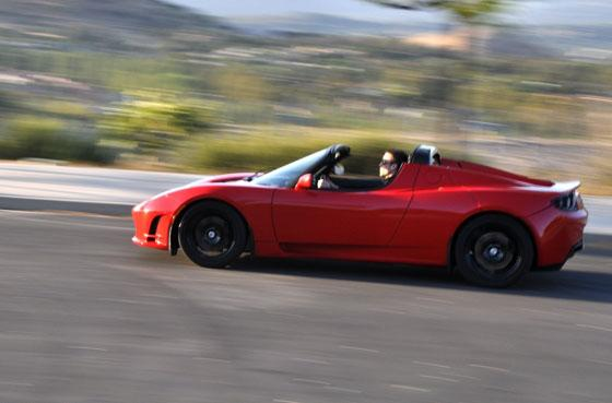 2011 Tesla Roadster 2.5 is Unveiled with Minor Upgrades featured image large thumb2