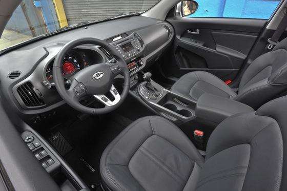 2011 Kia Sportage - Beautiful, Economical and Affordable featured image large thumb16