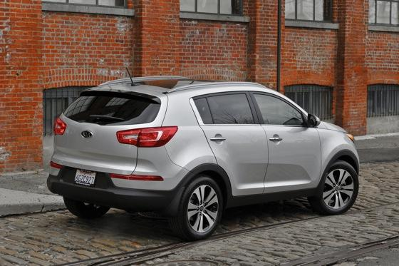2011 Kia Sportage - Beautiful, Economical and Affordable featured image large thumb3