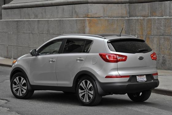 2011 Kia Sportage - Beautiful, Economical and Affordable featured image large thumb4