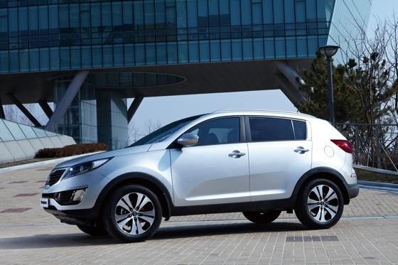 2011 Kia Sportage - Beautiful, Economical and Affordable featured image large thumb5