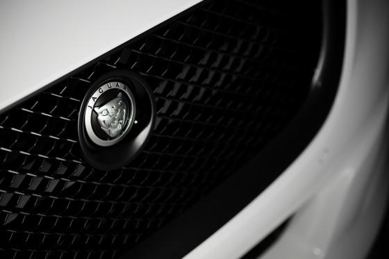 Jag-u-ar is Still Daring and Dashing at 75: Introducing the Jaguar XJ75 featured image large thumb9