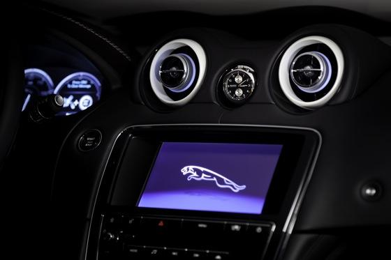 Jag-u-ar is Still Daring and Dashing at 75: Introducing the Jaguar XJ75 featured image large thumb2