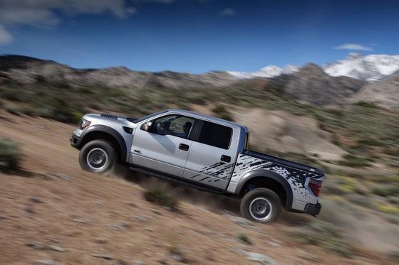 2011 ford f 150 svt raptor gets more capacity and capability autotrader. Black Bedroom Furniture Sets. Home Design Ideas