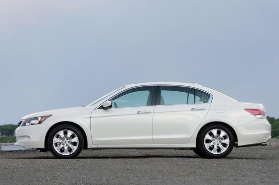 2008 - 2010 Honda Accord - Used Car Review featured image large thumb1