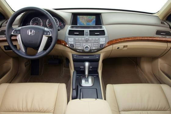 2008 - 2010 Honda Accord - Used Car Review featured image large thumb5