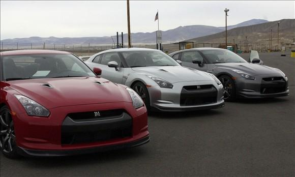 Review: 2009 Nissan GT-R featured image large thumb1