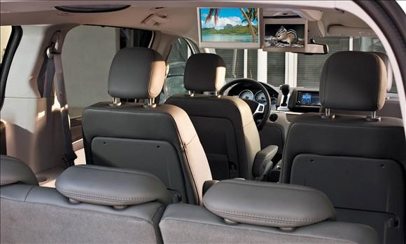 Review: 2009 Volkswagen Routan featured image large thumb4