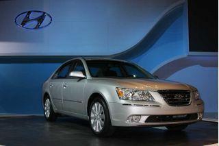 2009 Hyundai Sonata Review featured image large thumb0