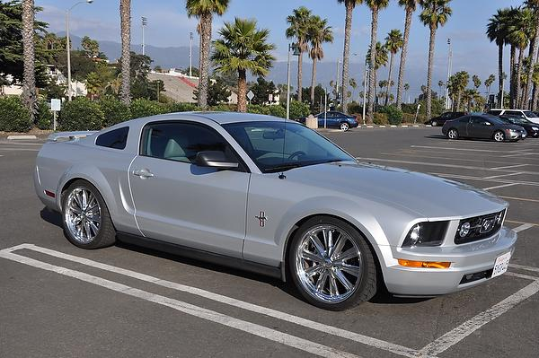 2005 - 2009 Ford Mustang Used Car Review featured image large thumb7