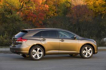 2009 Toyota Venza CUV featured image large thumb3