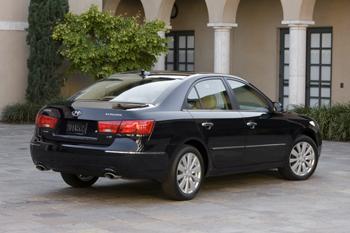 2009 Hyundai Sonata featured image large thumb3