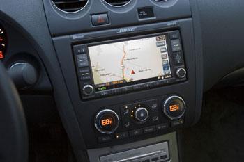 2009 Nissan Altima SE featured image large thumb1