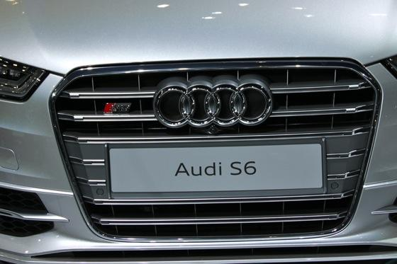2012 Audi S6 - LA Auto Show - Image Gallery featured image large thumb3