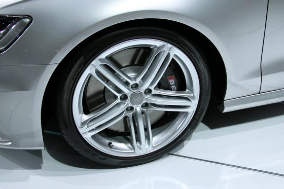 2012 Audi S6 - LA Auto Show - Image Gallery featured image large thumb4