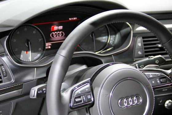 2012 Audi S6 - LA Auto Show - Image Gallery featured image large thumb9