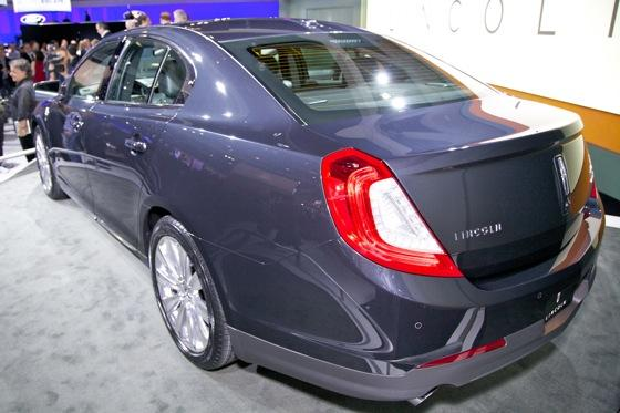 2012 Lincoln MKS - LA Auto Show - Image Gallery featured image large thumb2