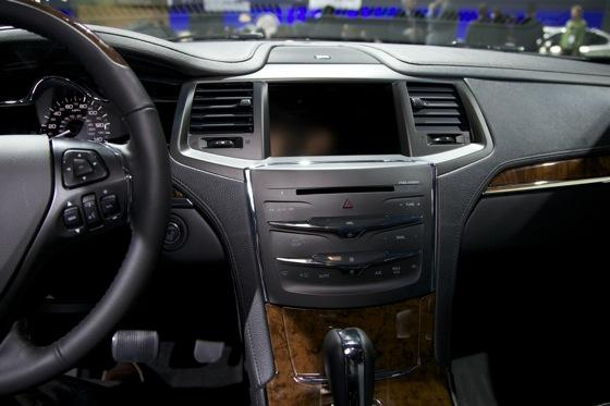 2012 Lincoln MKS - LA Auto Show - Image Gallery featured image large thumb8