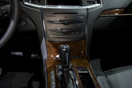 2012 Lincoln MKS - LA Auto Show - Image Gallery featured image large thumb9