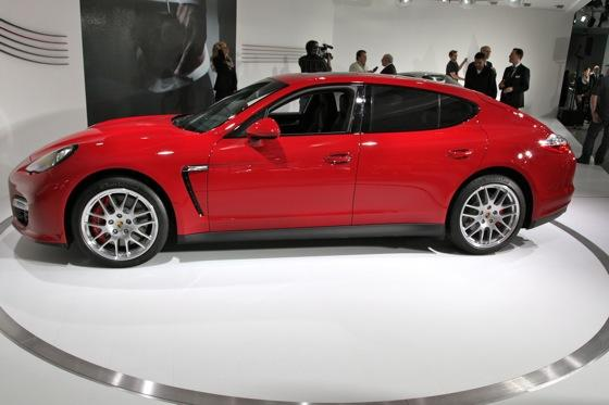 2012 Porsche Panamera GTS- LA Auto Show - Image Gallery featured image large thumb4
