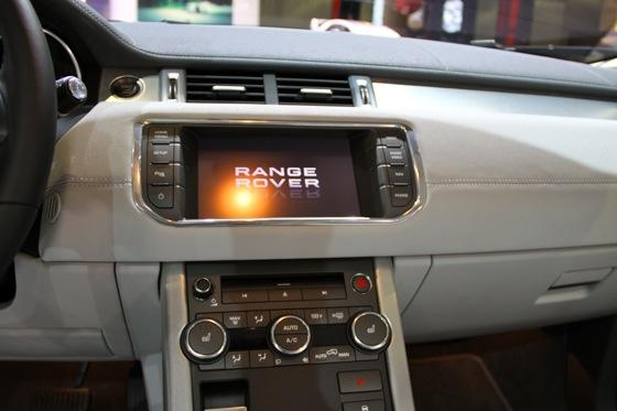 2012 Range Rover Evoque - LA Auto Show - Image Gallery featured image large thumb9
