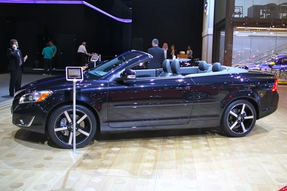 2012 Volvo C70 Inscription - LA Auto Show - Image Gallery featured image large thumb1