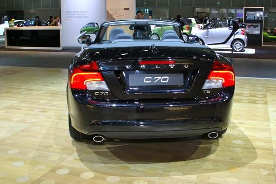 2012 Volvo C70 Inscription - LA Auto Show - Image Gallery featured image large thumb3