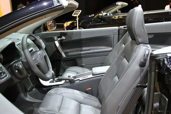 2012 Volvo C70 Inscription - LA Auto Show - Image Gallery featured image large thumb6