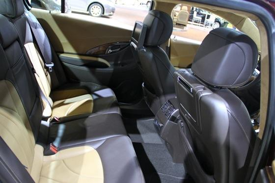 Buick LaCrosse GL Concept - LA Auto Show - Image Gallery featured image large thumb7