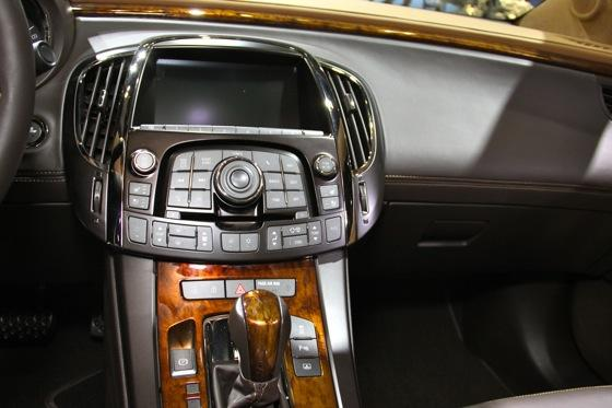 Buick LaCrosse GL Concept - LA Auto Show - Image Gallery featured image large thumb9