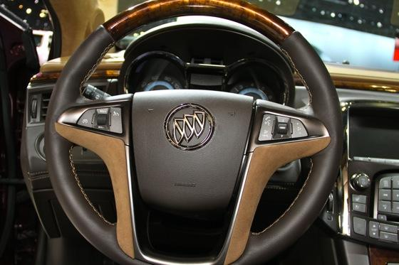 Buick LaCrosse GL Concept - LA Auto Show - Image Gallery featured image large thumb10