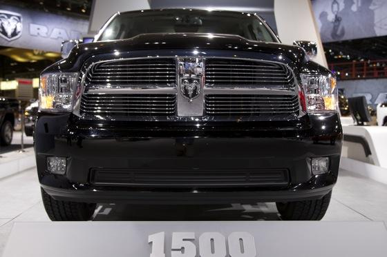 2012 Ram Truck Laramie Limited: Chicago Auto Show featured image large thumb2