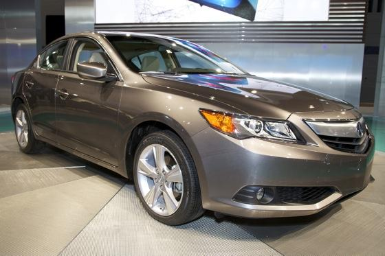 2013 Acura ILX: Chicago Auto Show featured image large thumb0