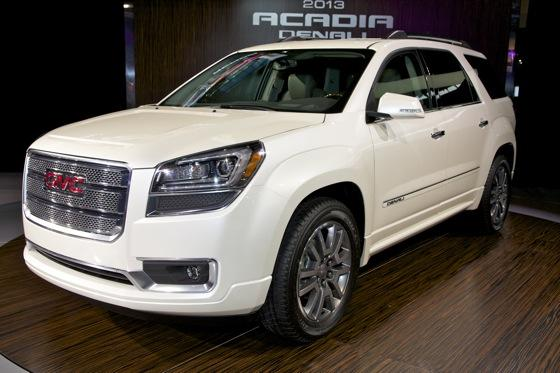 2013 GMC Acadia: Chicago Auto Show featured image large thumb0