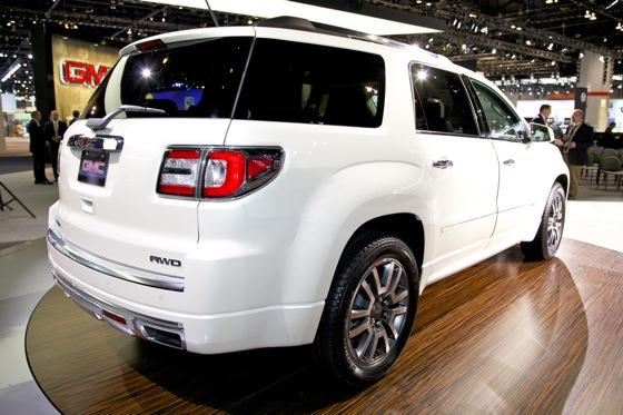 2013 GMC Acadia: Chicago Auto Show featured image large thumb4