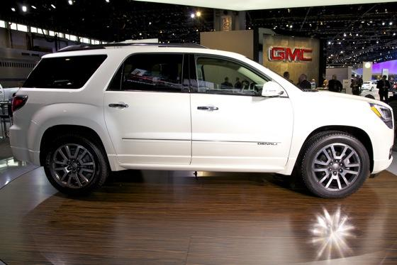 2013 GMC Acadia: Chicago Auto Show featured image large thumb5