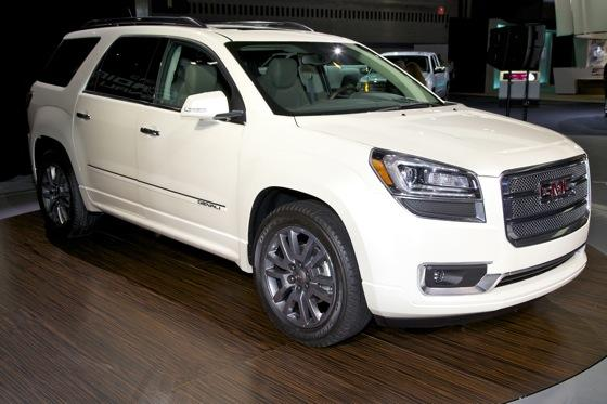 2013 GMC Acadia: Chicago Auto Show featured image large thumb6