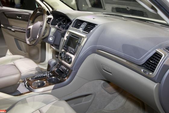 2013 GMC Acadia: Chicago Auto Show featured image large thumb9