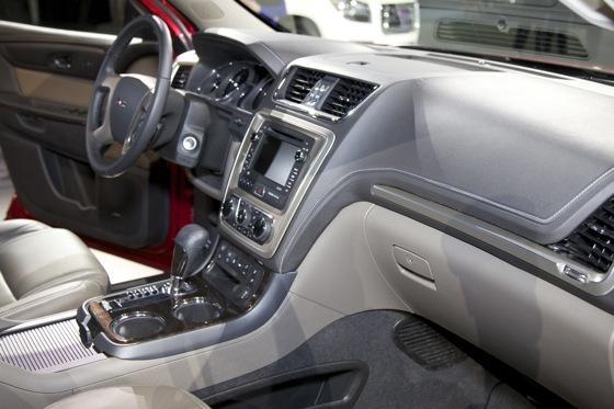 2013 GMC Acadia: Chicago Auto Show featured image large thumb11