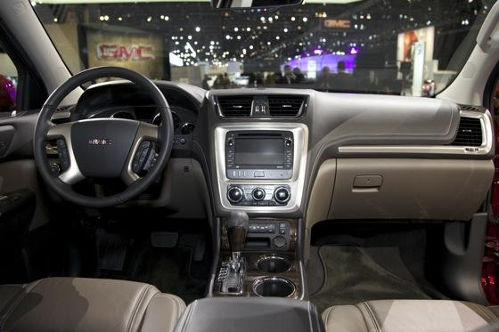 2013 GMC Acadia: Chicago Auto Show featured image large thumb12