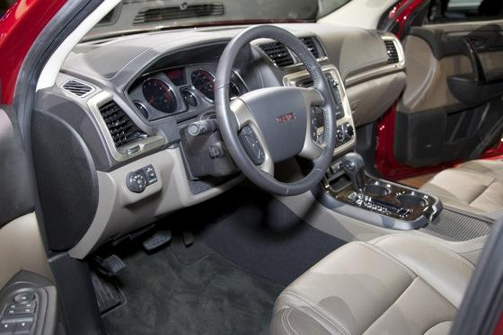 2013 GMC Acadia: Chicago Auto Show featured image large thumb13