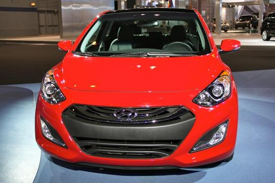 2013 Hyundai Elantra GT: Chicago Auto Show featured image large thumb11