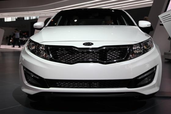 Kia Optima SX Limited: Chicago Auto Show featured image large thumb1