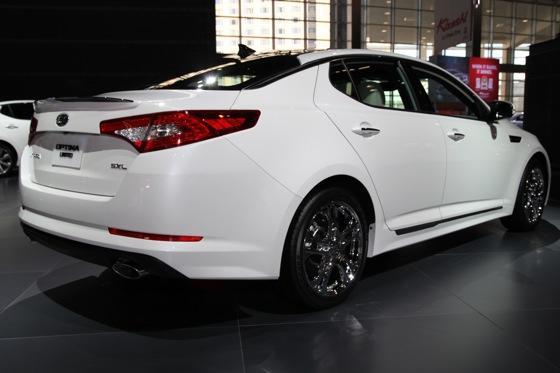 Kia Optima SX Limited: Chicago Auto Show featured image large thumb3