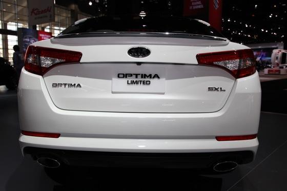 Kia Optima SX Limited: Chicago Auto Show featured image large thumb4