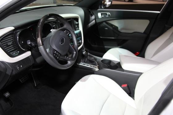 Kia Optima SX Limited: Chicago Auto Show featured image large thumb7