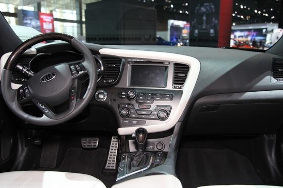 Kia Optima SX Limited: Chicago Auto Show featured image large thumb9