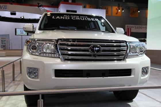 2013 Toyota Land Cruiser: Chicago Auto Show featured image large thumb1