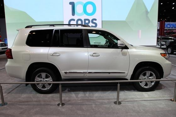2013 Toyota Land Cruiser: Chicago Auto Show featured image large thumb3