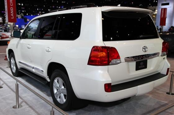 2013 Toyota Land Cruiser: Chicago Auto Show featured image large thumb6